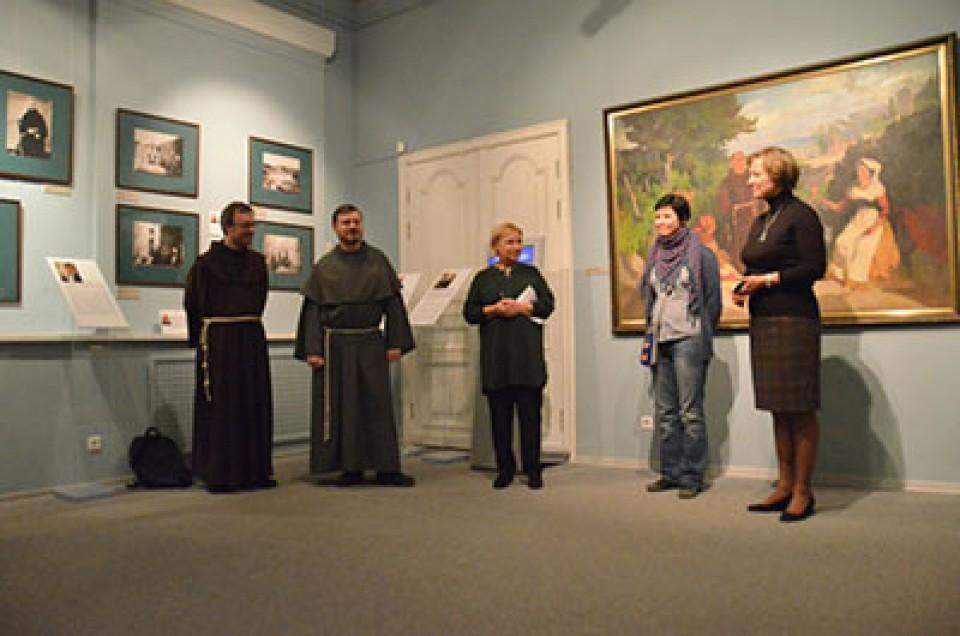 """wystawa W Państwowym Muzeum Historii Religii w Sankt Petersburgu 19 grudnia 2015 roku została otwarta wystawa """"Siedem rozmów z franciszkanami"""""""