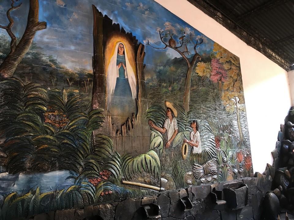 ściana kaplicy świec w Cotoca